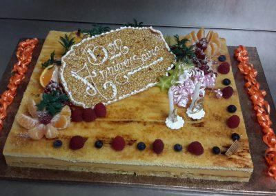 Un gâteau d'anniversaire sur-mesure